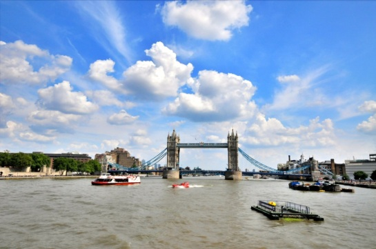 Londra'ya ne amaçla gelirseniz gelin, herhalde en sık göreceğiniz yer Bridge Tower'dır.