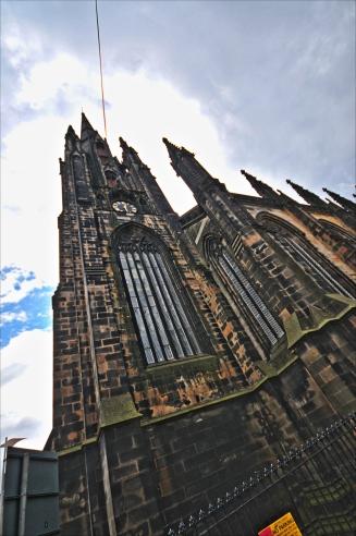 Bu gotik yapılar size de televizyonlarda çıkan